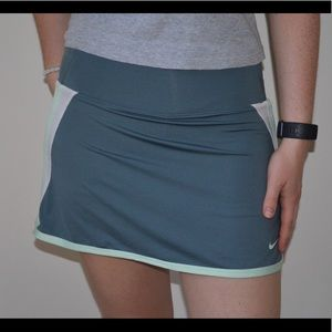 Youth large/ adult XS Nike Dri-Fit tennis skirt